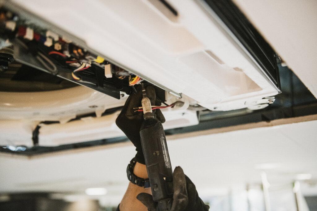 業務用エアコン取付のプロだから、難しい工事でも難なくこなします